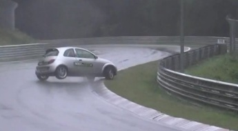ford-sportka-and-renault-clio-crash-on-wet-nurburgring-track-day-video-98886_1.jpg